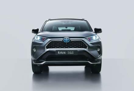 Toyota lansează în România două hibride noi
