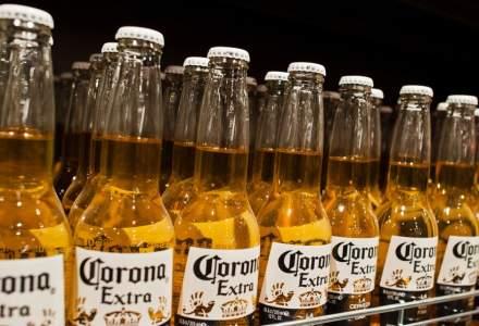 AB InBev, producătorul berii Corona, așteaptă o scădere de 10% a profitului în primul trimestru din cauza coronavirusului