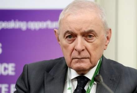 Vasilescu (BNR): Toată prăbuşirea monedei naţionale este de doi bani