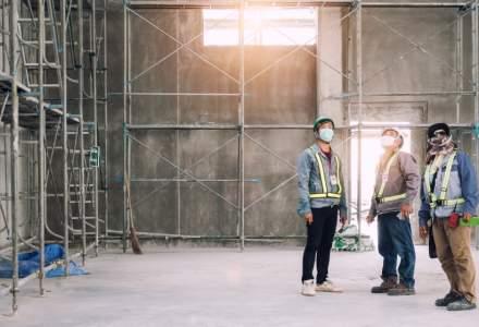 Constructorii: Șantierele vor funcționa până în ultima clipă. Muncitorii români au prioritate în caz de concedieri