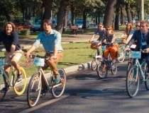 Defilare pe biciclete in...