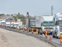 Șoferi români de camion,...