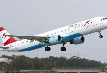 Austrian Airlines suspendă toate zborurile din cauza scăderii rapide a cererii pentru călătorii cu avionul