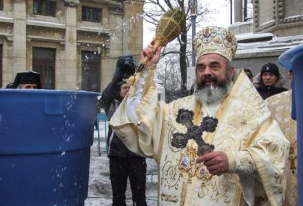 Cum sprijină Biserica Ortodoxă Română eforturile statului în criza coronavirus