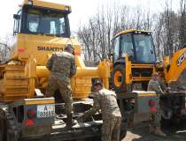 Armata a început construirea...