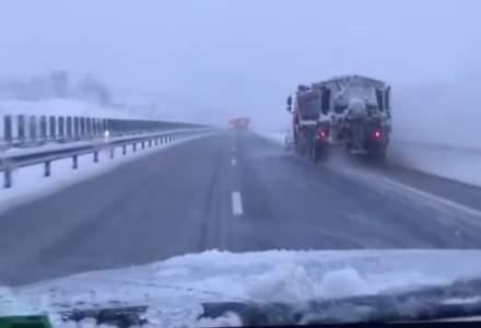 Circulaţie în condiţii de iarnă pe drumurile din centrul țării. Avertizări: cod galben și portocaliu