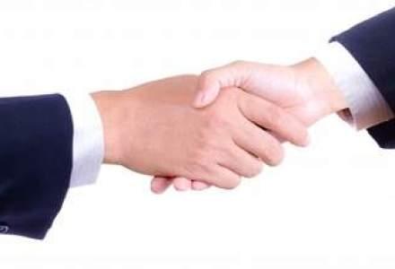 O firma din grupul Rompetrol a semnat un contract de 1 miliard de dolari cu KazMunayGas