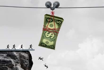 Măsurile Guvernului cu privire la amânarea ratelor nu sprijină românii, ci acordă beneficii substanţiale băncilor