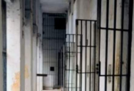 Judecatoarea Veronica Cirstoiu, acuzata de luare de mita, a fost retinuta pentru 29 de zile