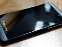 BlackBerry analizeaza mai...