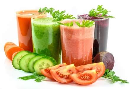 Nutriționist | Sucurile din fructe și legume verzi sunt adevărați aliați ai acestei perioade