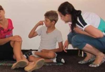 Pentru fiecare cuvant rostit, familia unui copil diagnosticat cu autism lupta uneori luni intregi