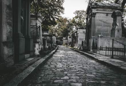 Coronavirus: Un primar din Ucraina sapă gropi pentru a incita la izolare la domiciliu. 615 gropi au fost săpate în mai multe cimitire