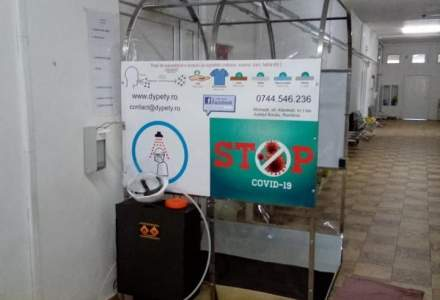 FOTO Un producător român de autocare a început să facă tuneluri de dezinfectare. Primele 10 au ajuns la un spital din Capitală
