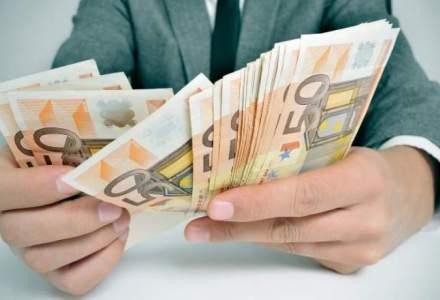 Leul s-a apreciat în raport cu dolarul american; faţă de euro a rămas relativ stabil
