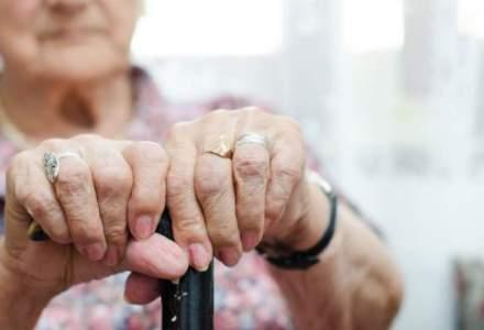 Șefa Comisiei Europene: Persoanele în vârstă ar putea fi nevoite să stea în izolare tot anul din cauza coronavirusului