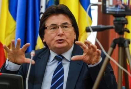 Primarul Timișoarei Nicolae Robu spune că va veni la lucru şi fără a fi plătit, dacă e cazul