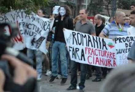 Rosia Montana scoate romanii in strada: peste o mie de persoane protesteaza in Bucuresti [GALERIE FOTO]