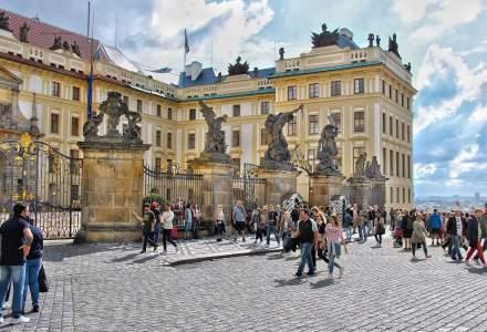 Președintele Cehiei vrea să interzică călătoriile în străinătate timp de un an, din cauza pandemiei de Coronavirus