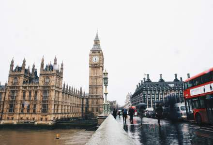 Coronavirus | Marea Britanie oferă 1,25 miliarde de lire sterline start-up-urilor și firmelor din domeniul cercetare și dezvoltare
