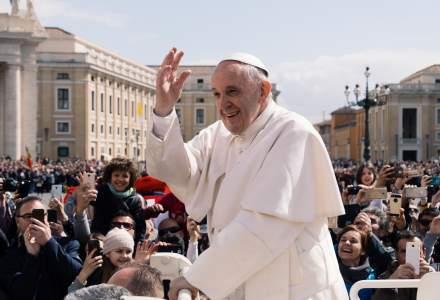 Echipamentele medicale donate de Vatican, pentru autoritățile din Suceava, sunt aduse în ţară