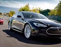 Tesla Model S depășește...