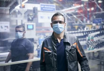 Ford va relua producția la Craiova pe 4 mai. Uzina produce propriile viziere