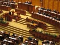Parlamentarii si-au luat...