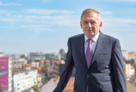 Mesajul Băncii Transilvania pentru cei aproape 32.000 de acţionari: Traversăm cu încredere această perioadă. Curaj, România!