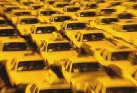 Unii operatori de taxi vor scadea tarifele cu pana la 20%, ca urmare a ieftinirii carburantilor