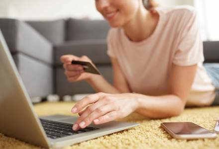 Coronavirus | Vânzările cu 50% mai mari în fashion online. Halatele de baie, cele mai cumpărate