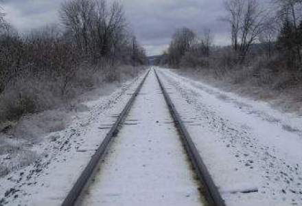 Circulatie feroviara inchisa intre Timisu de Sus si Predeal, sase trenuri blocate