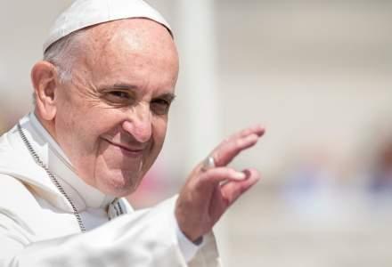 Papa Francisc mulţumeşte asistenţilor medicali pentru ''serviciul adus umanităţii''