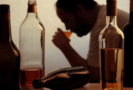 BBC: De ce oamenii trag la alcool în perioada de izolare