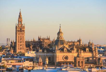 Spania va primi turiștii străini începând din luna iulie