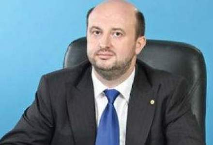Chitoiu spune ca a delegat o parte din competentele de la Economie, dar nu lui Remus Vulpescu