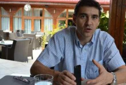 "Dupa 9 luni, Cristian Herghelegiu paraseste Elefant.ro: ""a aparut o oportunitate excelenta!"""