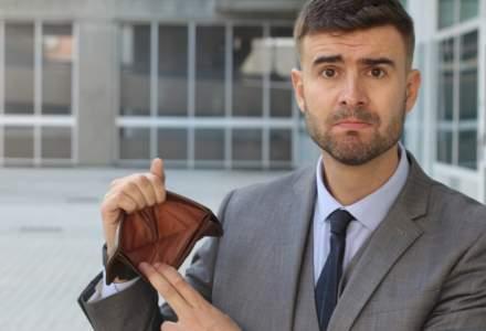COVID-19 a tăiat radical veniturile românilor și le-a schimbat comportamentul de consum