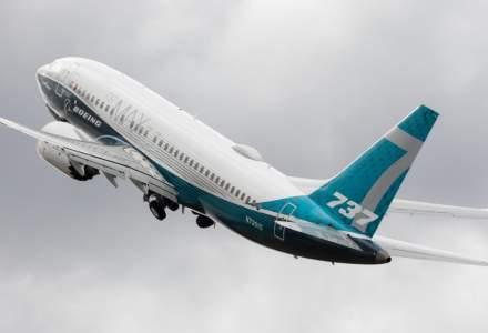 Boeing reia într-un ritm redus producţia avionului 737 MAX şi anunţă concedieri masive