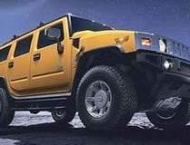 Peste 30 de SUV-uri Hummer au...