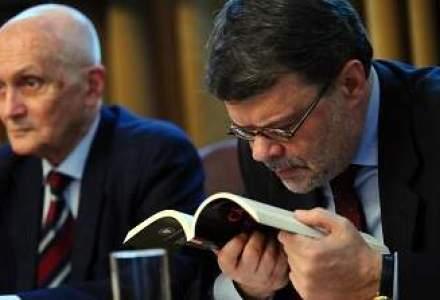 Ministrul Culturii, huiduit de protestarii Rosia Montana la o dezbatere intelectuala