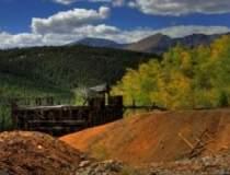 Cei 33 de mineri blocati in...