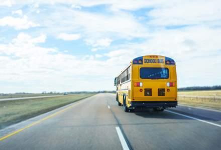E oficial! Elevii din România vor avea transport gratuit
