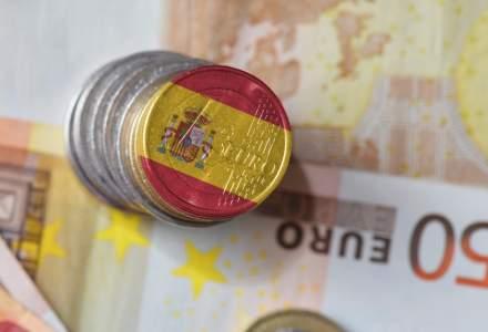 Bani din elicopter: Spania va acorda lunar un venit minim garantat celor săraci și afectați de Covid-19