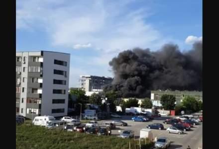Ro-Alert: Incendiu major în București cu degajări masive de fum