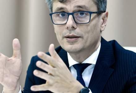 Ce spune ministrul Economiei despre poza din biroul lui Ludovic Orban: Masca o aveam în buzunar