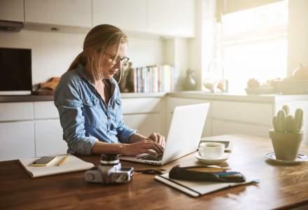 Munca de acasă continuă: cinci abilități pe care le caută angajatorii pentru joburile remote