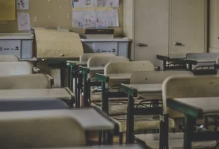 Predarea educației sexuale în școli a fost eliminată din lege la propunerea PSD și PNL