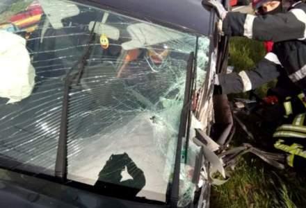 Opt români au fost implicați într-un accident rutier în Italia. Patru au decedat