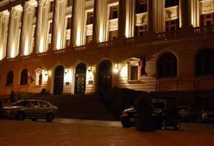 Oficialii BNR platesc 10 mil. lei pentru cazari hoteliere si transporturi aeriene
